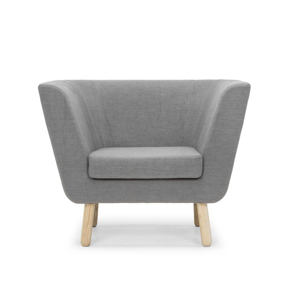 nest p sessel mit gestell und beine aus holz gepolstert und mit stoff bezogen sediarreda. Black Bedroom Furniture Sets. Home Design Ideas