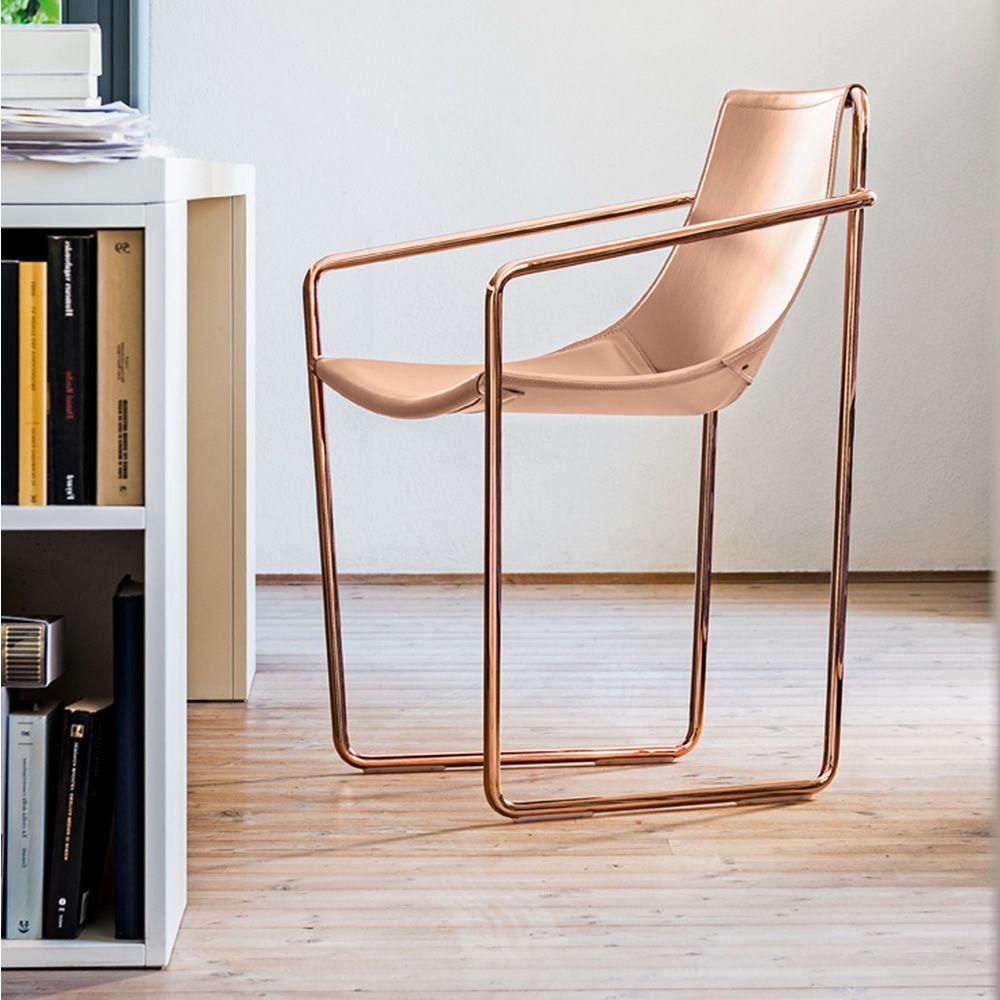Apelle p stuhl midj mit armlehnen aus metall und for Design stuhl metall