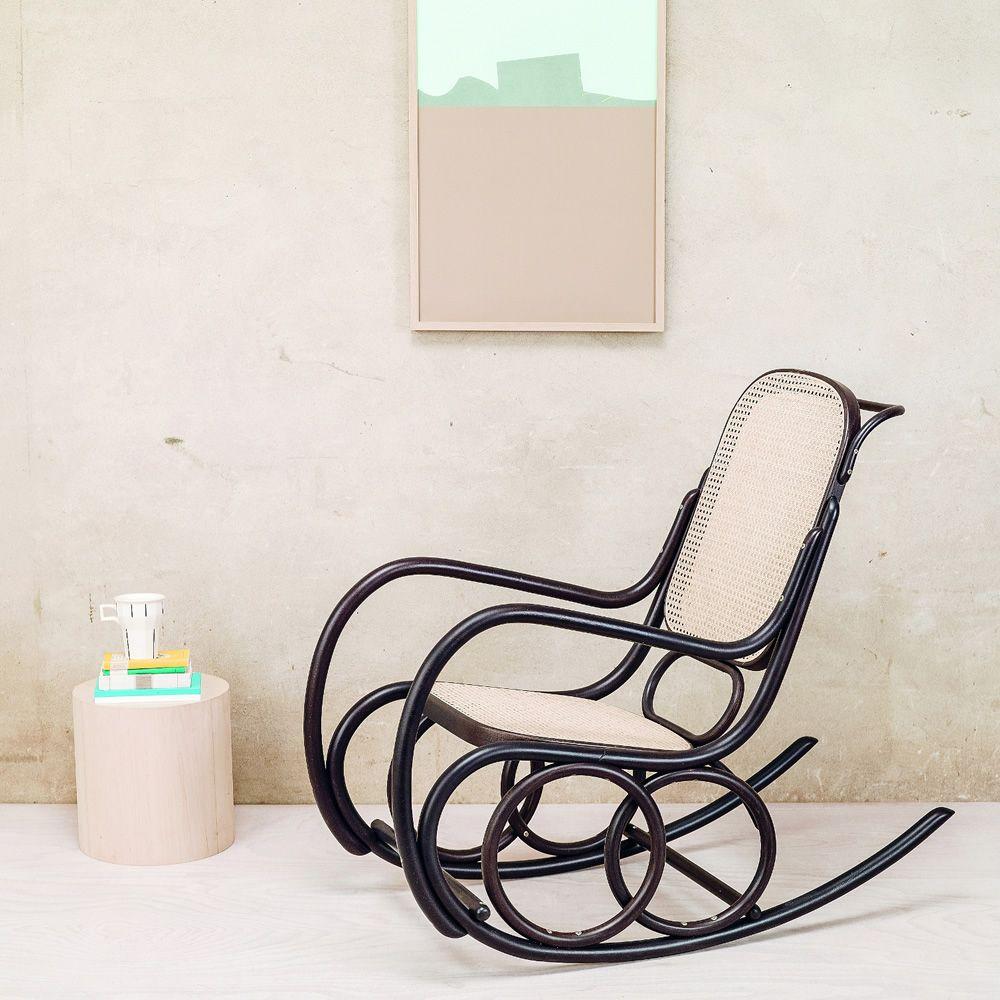 dondolo schaukelstuhl ton aus holz mit sitz aus rohrgeflecht. Black Bedroom Furniture Sets. Home Design Ideas