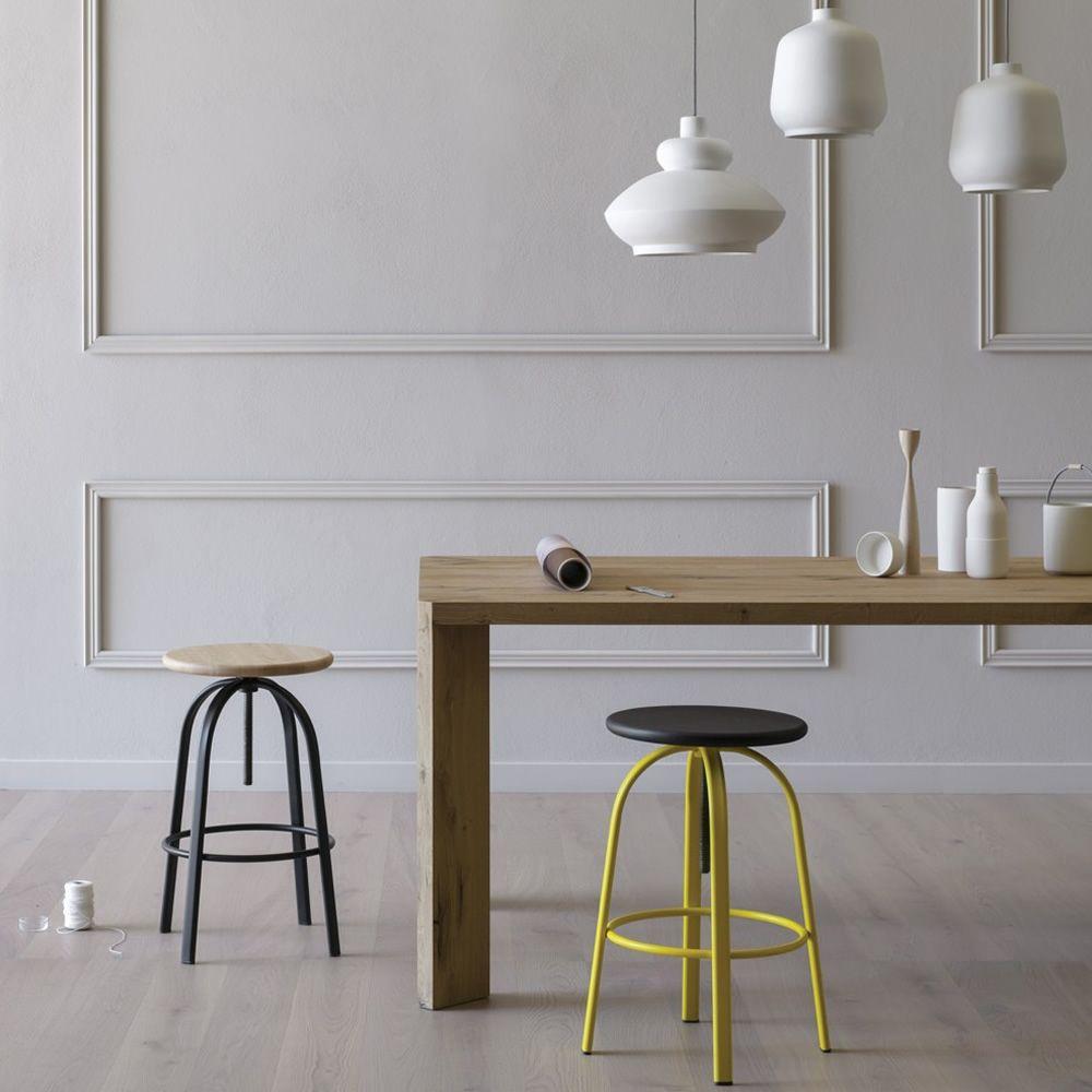 ferrovitos h henverstellbarer hocker miniforms aus metall und holz sediarreda. Black Bedroom Furniture Sets. Home Design Ideas