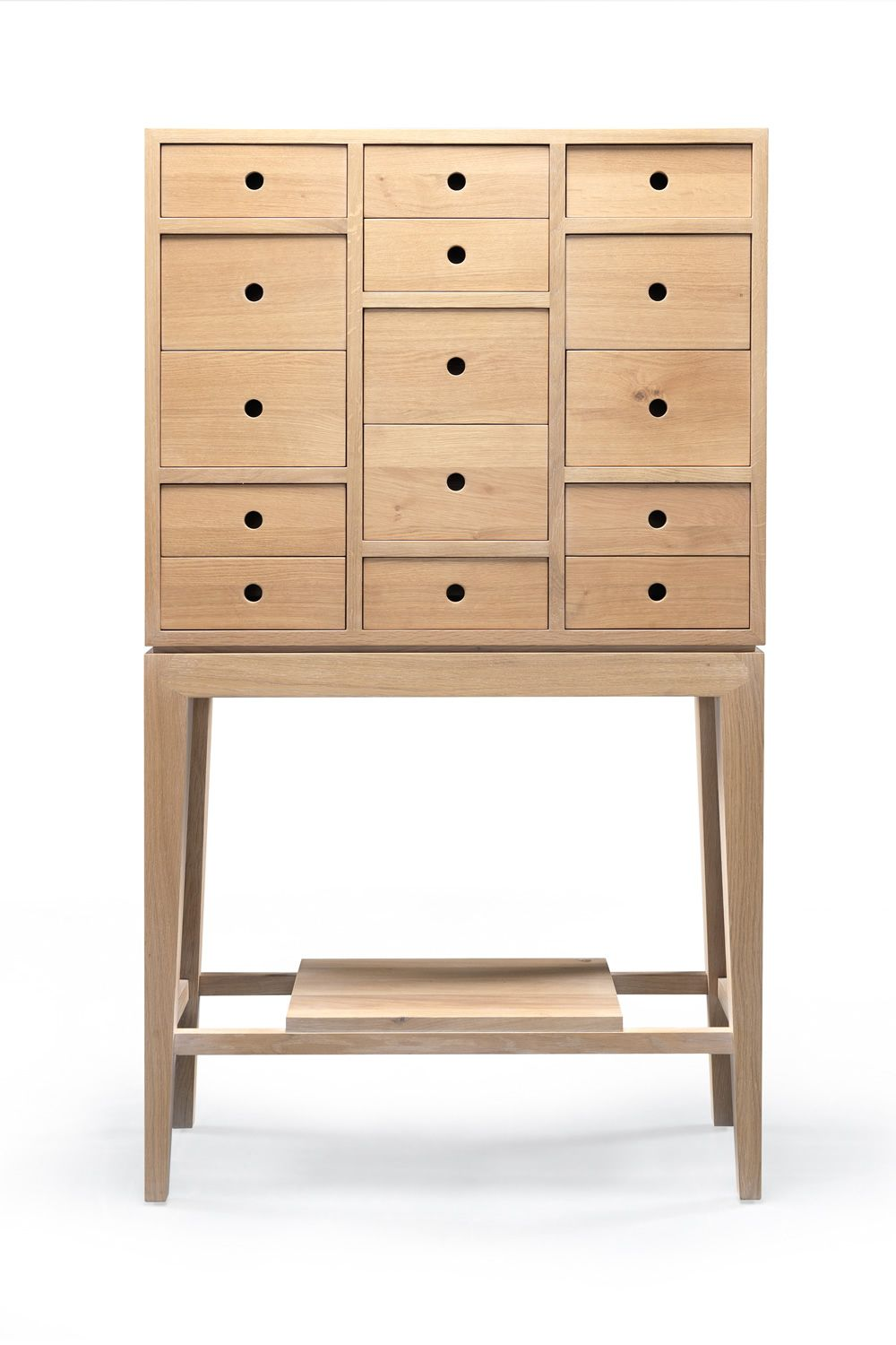 contador commode avec tiroirs en bois massif disponible en ch ne ou en noyer hauteur 146 cm. Black Bedroom Furniture Sets. Home Design Ideas