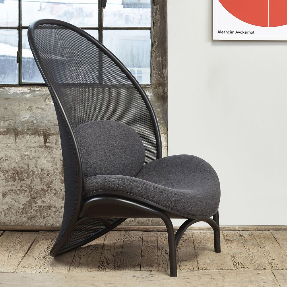 chips fauteuil ton en bois avec assise rembourr e disponible en plusieurs rev tements. Black Bedroom Furniture Sets. Home Design Ideas