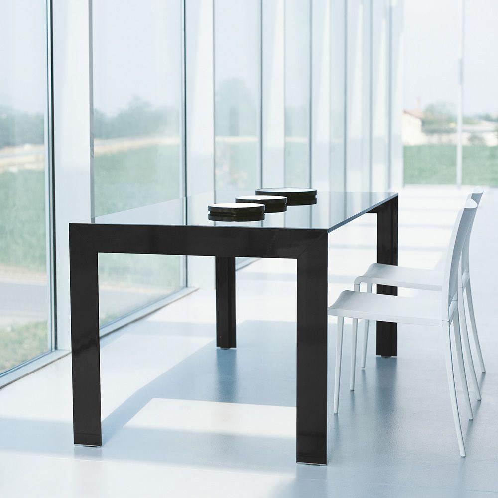 Matrix tavolo tavolo pedrali allungabile in alluminio for Tavolo allungabile nero