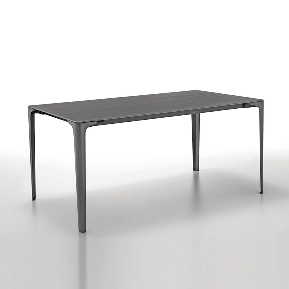 mat table extensible infiniti en aluminium plateau en newpann ou corian disponible dans. Black Bedroom Furniture Sets. Home Design Ideas