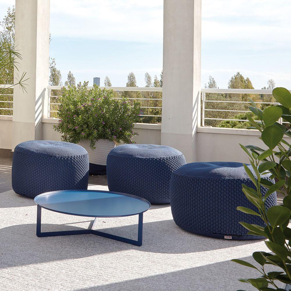 round2 runder beistelltisch aus metall in verschiedenen. Black Bedroom Furniture Sets. Home Design Ideas