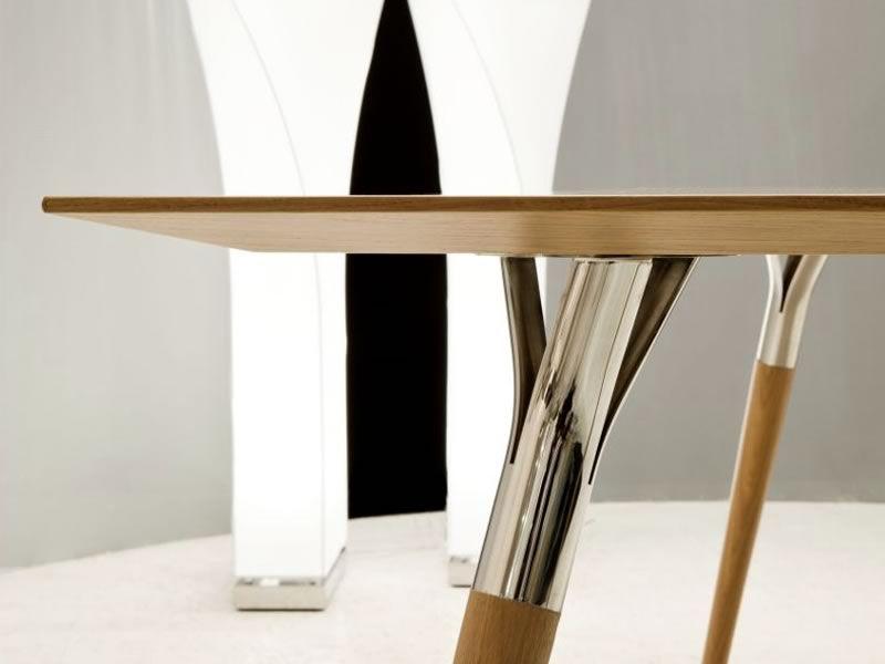 Salt&Pepper: Tonon Design-Tisch, mit Metallbeinen und Holzplatte ...