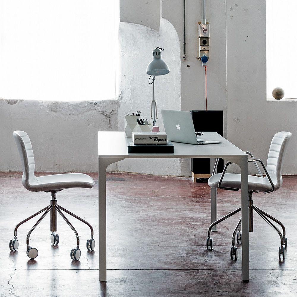 li d h henverstellbarer und drehbarer stuhl midj aus metall sizt aus restylon oder gepolstert. Black Bedroom Furniture Sets. Home Design Ideas