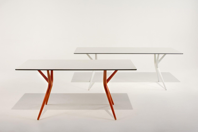spoon table klapptisch kartell aus polypropylen mit platte aus laminat aluminium in. Black Bedroom Furniture Sets. Home Design Ideas