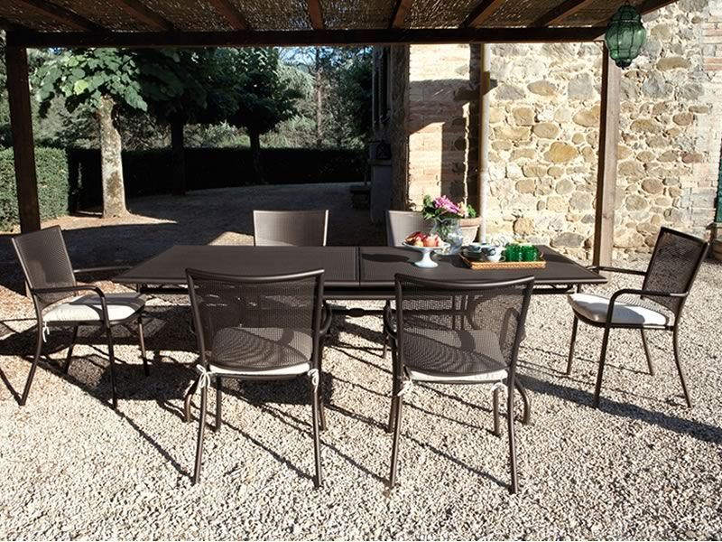 Backyard Table Match : Athena 3413 Emu armchair made of metal, for garden, stackable, in