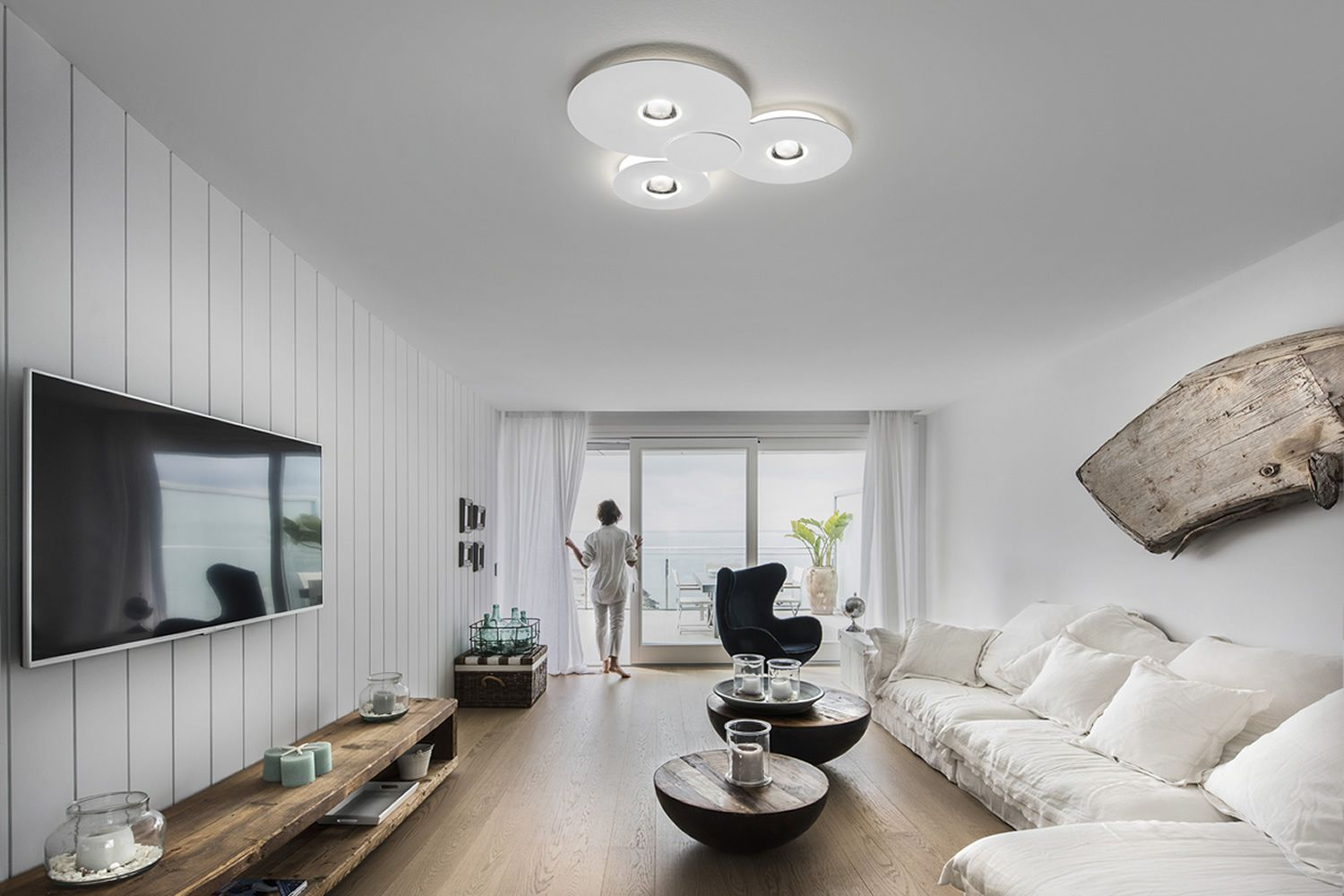 Bugia lampada da soffitto di design in metallo e for Lampadari calligaris