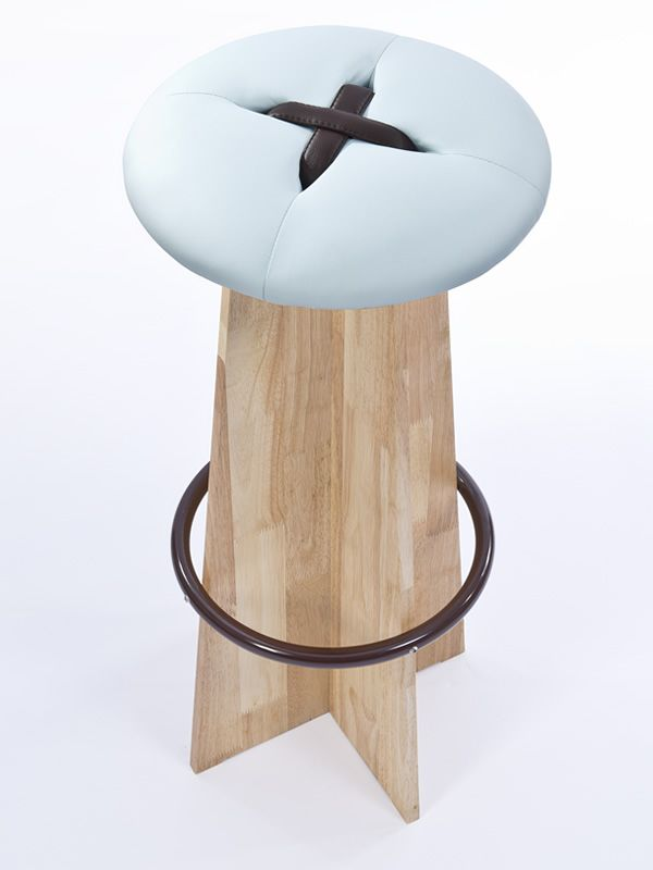 Bottone Alto | Stool with light blue and brown seat