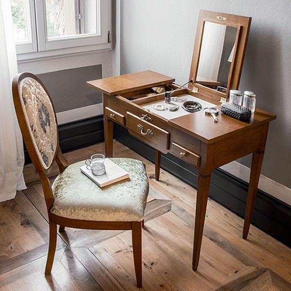 Lili 1495 meuble coiffeuse classique tonin casa en bois for Meuble coiffeuse en anglais