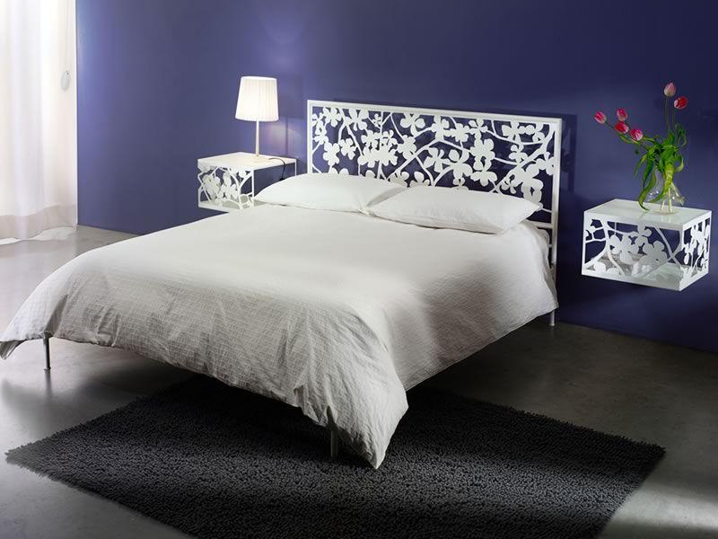 Flower letto matrimoniale in ferro e lamiera disponibile in diverse finiture sediarreda - Letto matrimoniale ferro battuto bianco ...