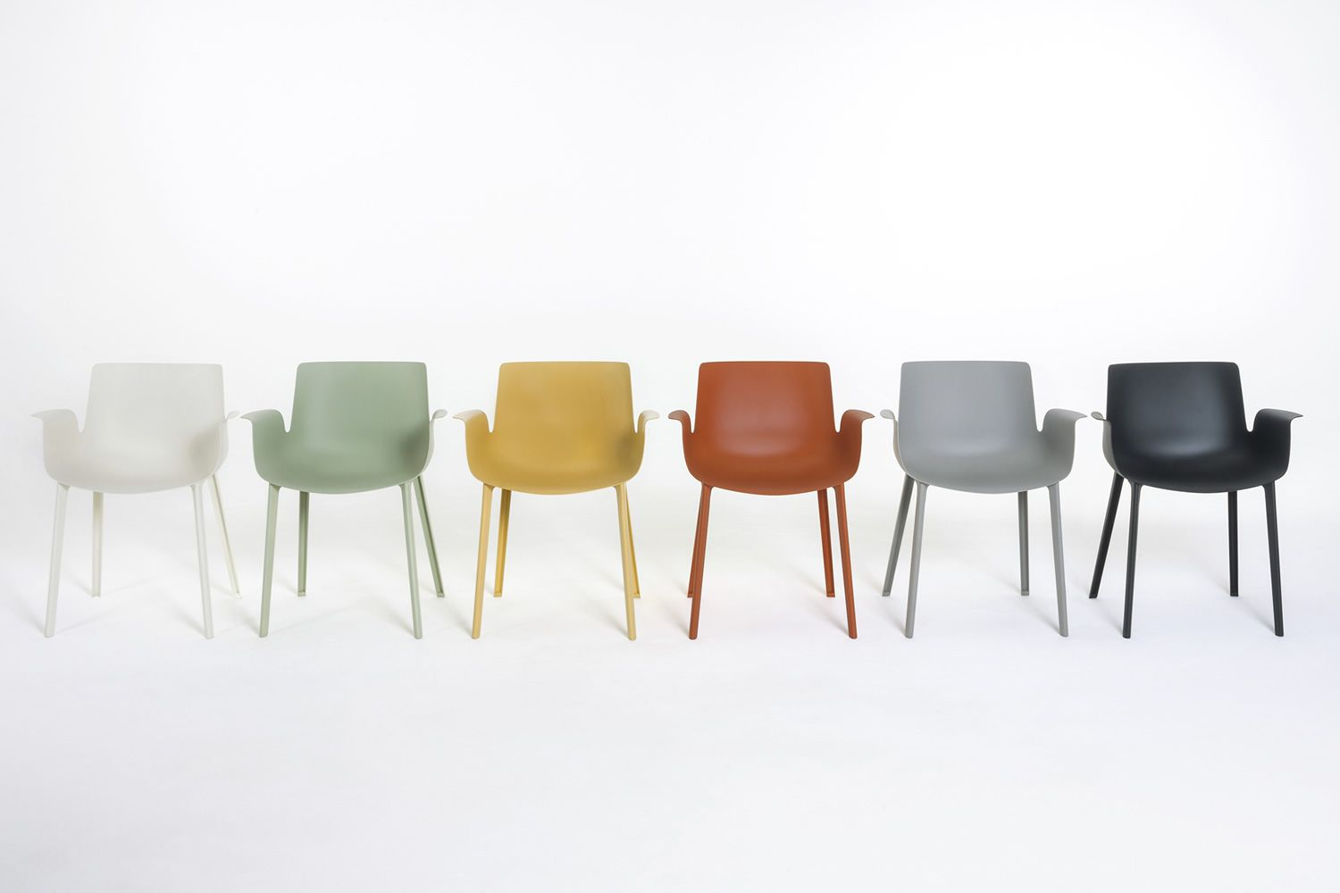 Piuma kartell design chair in technopolymer available in