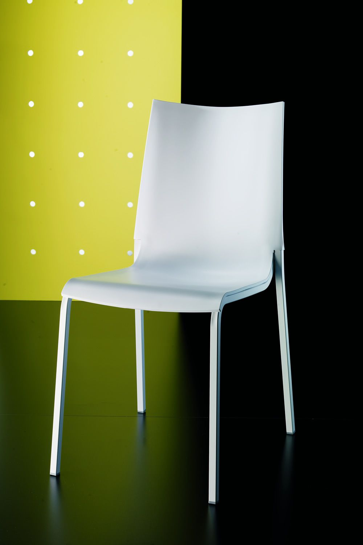 Eva Stapelbarer Stuhl Bontempi Casa aus Metall mit Sitz