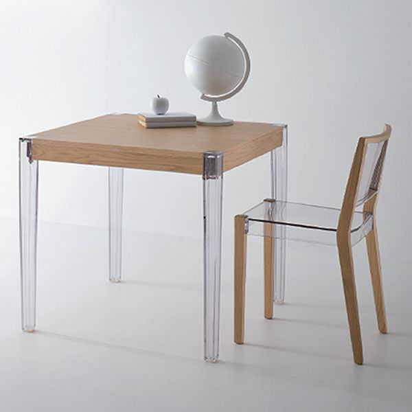 together t quadratischer design tisch mit beinen aus polycarbonat und tishplatte aus. Black Bedroom Furniture Sets. Home Design Ideas