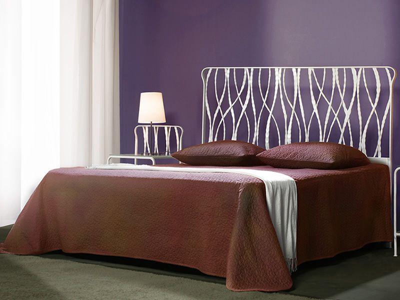 Overture letto matrimoniale in ferro battuto disponibile in diverse finiture sediarreda - Letto in ferro battuto bianco ...
